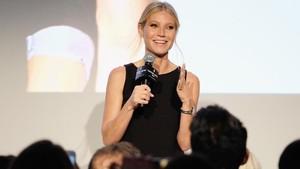 Rayakan Ultah ke-48, Gwyneth Paltrow Pamer Pose Bugil