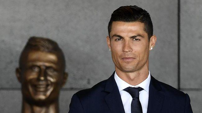 Cristiano Ronaldo, dikabarkan akan mengubah hotel yang ia miliki menjadi rumah sakit untuk membantu penanganan virus corona.
