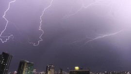 Tekanan Udara Rendah Penyebab Hujan Jabodetabek