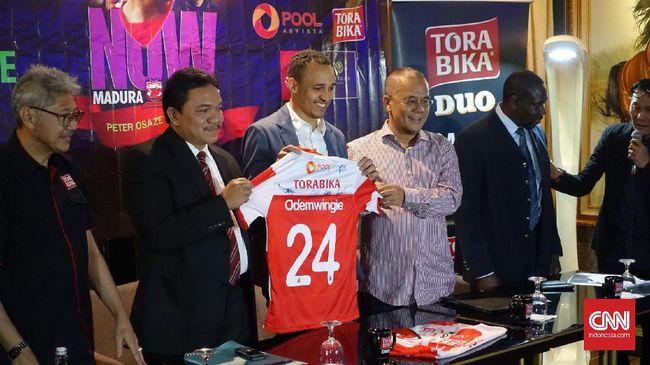 Presiden klub Madura United, Achsanul Qosasih, optimistis klubnya dapat bersaing di peringkat atas klasemen dalam kompetisi Liga 1 2017.