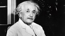 7 Kebiasaan yang Bikin Einstein jadi Jenius