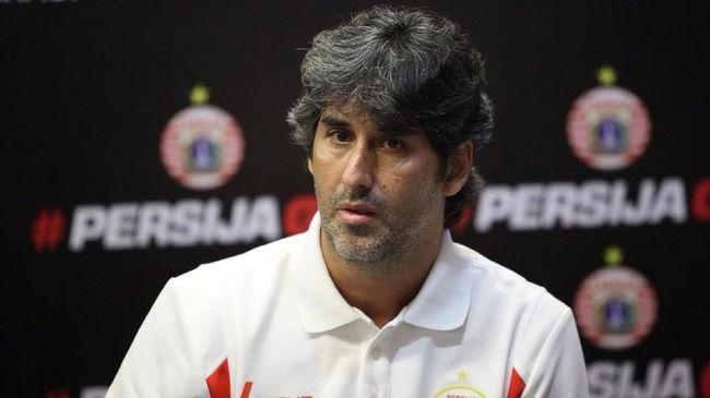 CEO Bali United, Yabes Tanuri menyebut pelatih Stefano 'Teco' Cugurra fokus ke Piala AFC dan tidak ada pembicaraan soal melatih Timnas Indonesia.