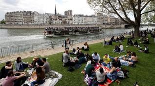 'Emily in Paris' dan Ekspektasi Berlebihan Turis soal Paris