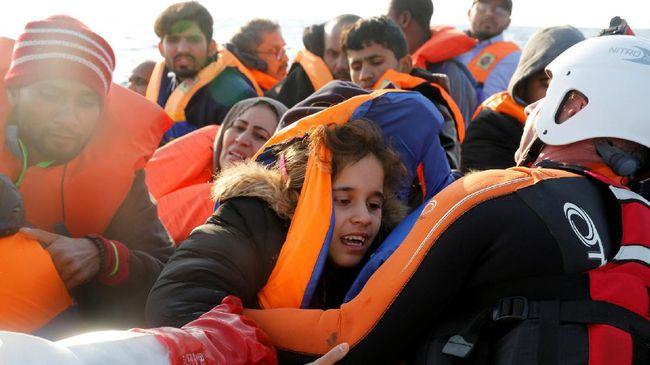 Puluhan pengungsi, sebagian besar balita, dilaporkan tenggelam di pesisir Libya saat tengah diselamatkan tim penjaga pantai dan organisasi kemanusiaan.