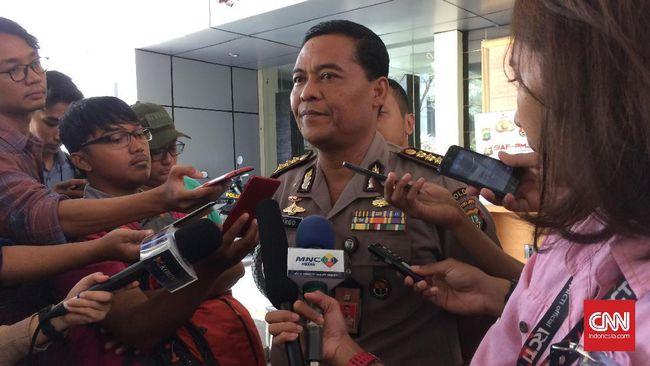 Polda Metro Jaya membenarkan telah mengeluarkan surat perintah penangkapan terhadap tersangka kasus makar Eggi Sudjana dengan kemungkinan untuk ditahan.