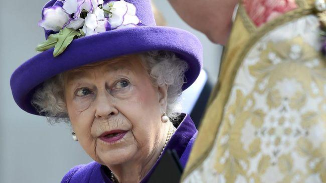 Meski sudah berusia 91 tahun, Ratu Elizabeth II tetap percaya diri dengan baju cerahnya. Ada makna khusus di balik warna busananya.