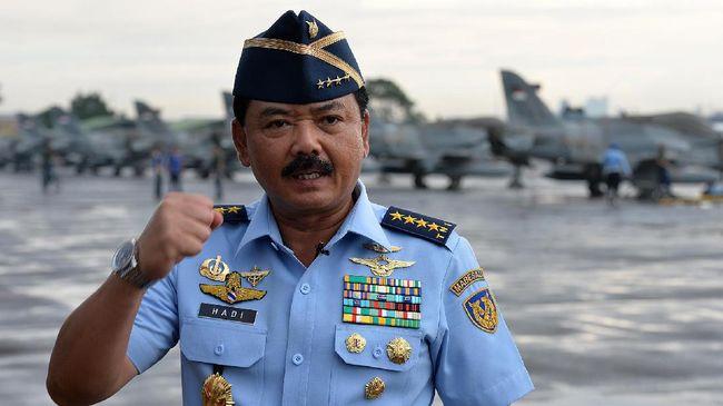 Termuda di antara kepala staf angkatan lainnya, Hadi Tjahjanto dianggap efektif untuk menyolidkan TNI dan kawal Poros Maritim.