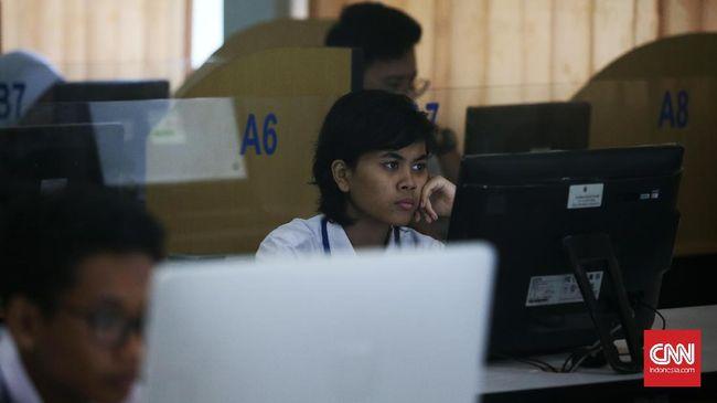 Panitia Pusat Humas SNMPTN-SBMPTN 2017, Tunjung W Sutirta mengimbau kepada peserta SBMPTN khususnya peserta Computer Based Test (CBT) agar tetap tenang