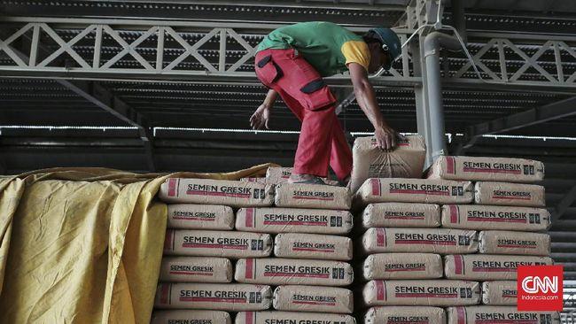 Sejumlah perusahaan produsen semen menyebut persoalan kelebihan pasokan (oversupply) semen di Indonesia masih akan terjadi pada tahun depan.