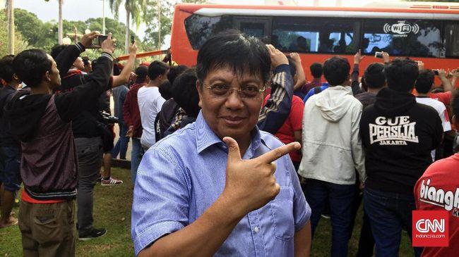 Dirut Persija berharap gubernur baru menyedikan sarana sepak bola. Pasalnya, Jakarta tak memiliki sarana sepak bola guna bersaing dengan wilayah lain.