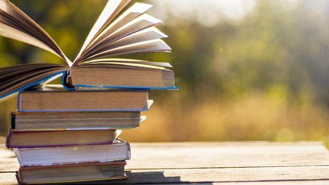Diperingati sejak 2002, Hari Buku Nasional menjadi pengingat bahwa membaca buku tak kalah pentingnya dalam kehidupan sehari-hari.