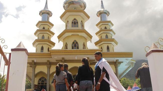 Perayaan Semana Santa rencananya dilaksanakan pada Larantuka, Flores Timur, NTT, namun ditunda untuk mencegah virus corona.