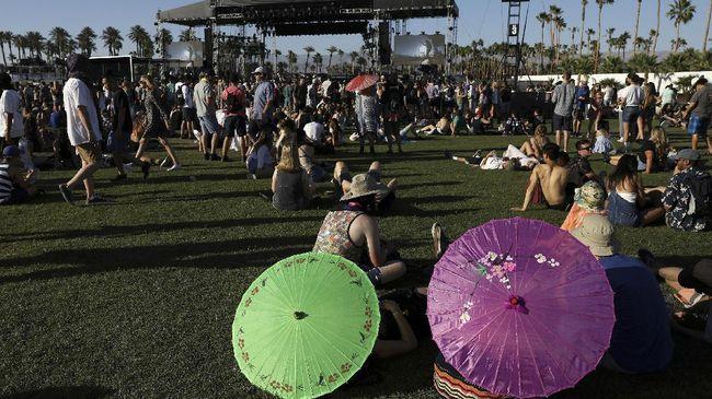 Festival musik akbar Coachella kembali hadir tahun ini. Gelaran itu berlangsung selama dua pekan di Empire Polo Field, California, AS pada April mendatang.