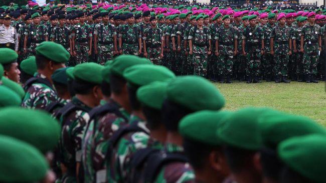 Sejumlah purnawirawan TNI dan Polri pendukung Prabowo-Sandi membuat petisi berisi tuntutan kepada TNI, Polri, dan BIN untuk tidak mendukung salah satu paslon.