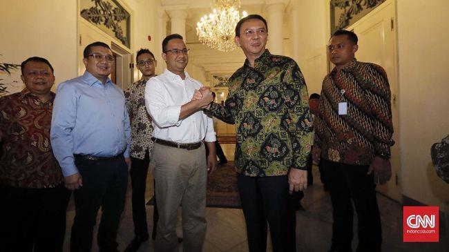 Anies mengatakan helikopter dipinjamkan oleh Erwin Aksa agar bisa memburu waktu pertemuan dengan Ahok di Balai Kota, kemarin pagi.