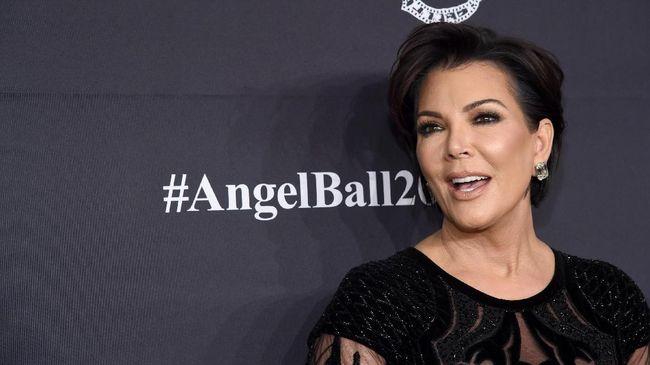 Kris Jenner mengikuti jejak kedua putrinya, Kim Kardashian dan Kylie Jenner, untuk meluncurkan produk kecantikan.