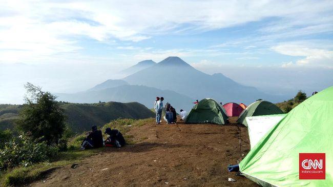 Yunawan Prastioko (42) asal Desa Pondok Petir, Bojongsari, Depok, Jawa Barat, meninggal dunia saat mendaki Gunung Prau, Jawa Tengah.