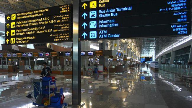 PT Angkasa Pura II menerapkan syarat baru bagi penumpang pesawat rute internasional di bandara yang dikelola perusahaan. Berikut rinciannya.