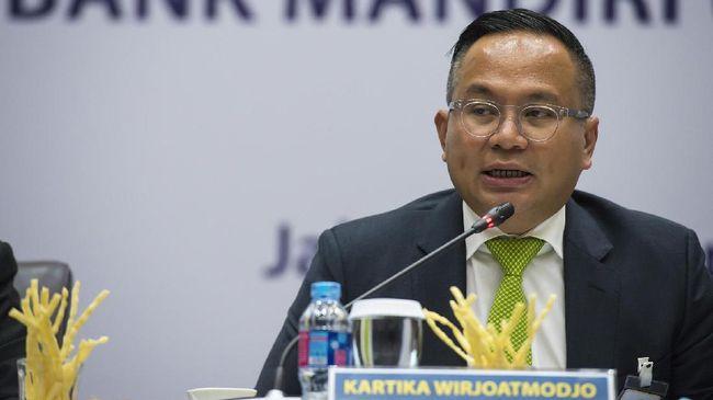 Bank Mandiri memastikan akan mengantarkan anak usahanya, yaitu Bank Syariah Mandiri dan Mandiri Tunas Finance melantai di Bursa Efek Indonesia tahun depan.
