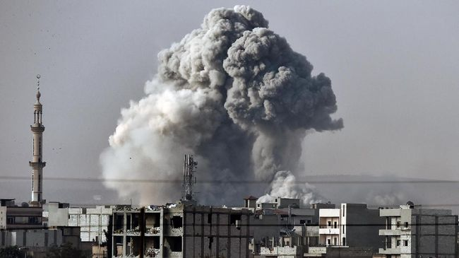 Perdana Menteri Israel Benjamin Netanyahu mengisyaratkan negaranya menyerang sejumlah target di Irak, di antaranya termasuk gudang senjata.