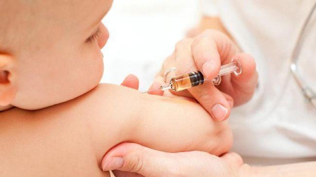 Kegiatan imunisasi yang terganggu, polio menjadi a