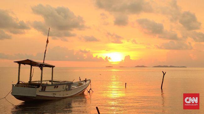 Jepara memiliki banyak pantai dan menyimpan pulau-pulau indah layaknya Kepulauan Karibia.