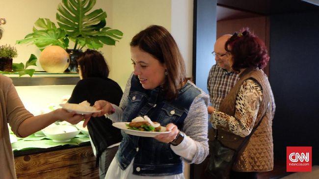 Jika orang Indonesia lebih suka tekstur makanan yang renyah, warga Bratislava di Slovakia lebih suka makanan dengan tekstur yang lembut.