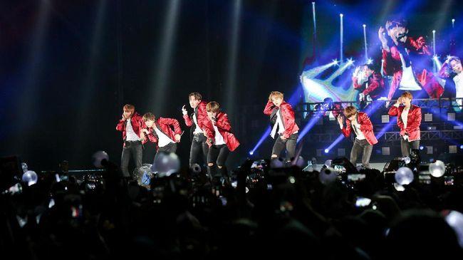 Agensi mengumumkan membatalkan konser BTS di Olympic Stadium, Seoul yang sedianya diadakan pada 11-12 April dan 18-19 mendatang karena penyebaran virus corona.