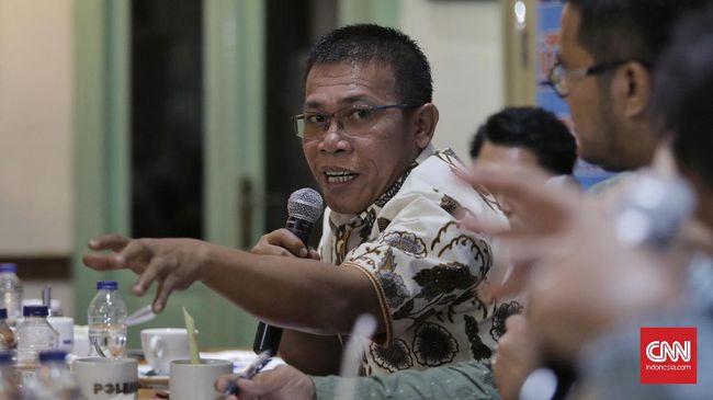 Politikus PDIP Masinton Pasaribu menilai kerja KPK bak sirkus karena mengutamakan OTT dan penyadapan yang menghabiskan dana triliunan.