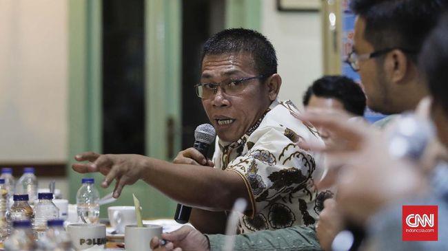 Anggota DPR dari fraksi PDIP, Masinton Pasaribu, menyayangkan tindakan kader partainya di Bogor yang terlibat kericuhan di Kantor Berita Radar Bogor.