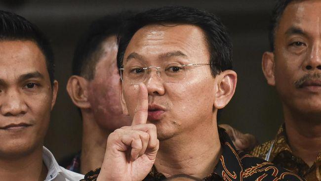 Menteri BUMN Erick Thohir menodong Ahok mengurangi impor migas usai ditunjuk sebagai Komut Pertamina.