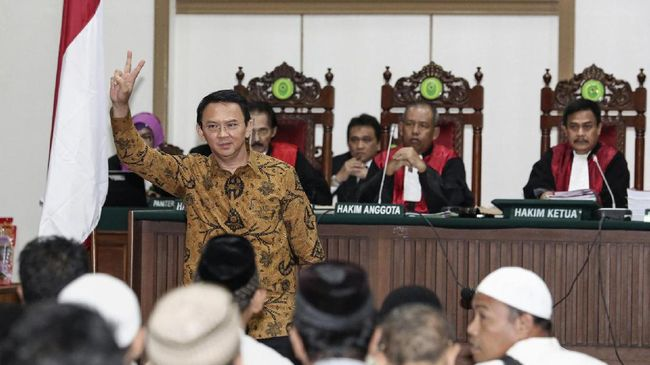 Kantor Komisioner Tinggi Hak Asasi Manusia Asia Tenggara PBB (OHCHR) meminta Pemerintah Indonesia untuk segera membebaskan Ahok.