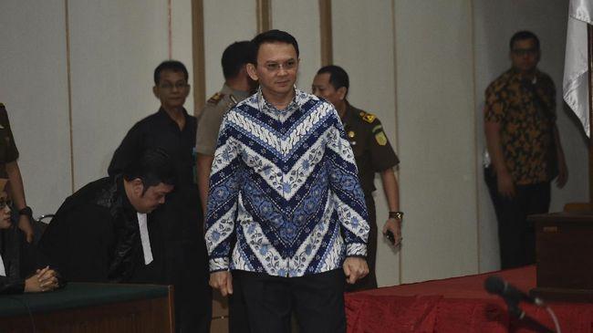 Ahok akan menempuh langkah hukum lanjutan setelah divonis dua tahun penjara oleh hakim dalam sidang kasus penodaan agama.