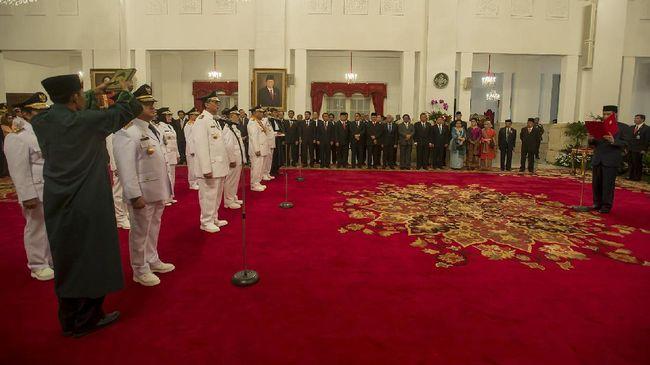 Jokowi Lantik Sembilan Kepala Daerah Terpilih