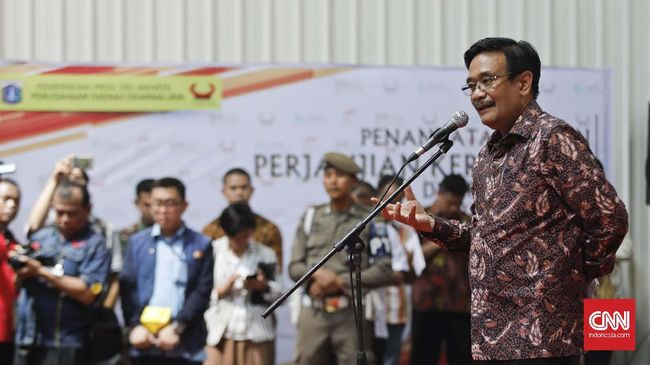 Terdakwa penodaan agama, Basuki Tjahaja Purnama alias Ahok, menurut Djarot Saiful Hidayat sudah ikhlas menerima vonis dua tahun penjara oleh hakim.
