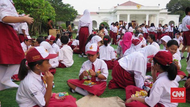 Tommy Soeharto menawarkan konsep pendidikan online jika dipercaya mengelola Indonesia. Dana pendidikan berjumlah triliunan lebih baik dialihkan ke program lain.
