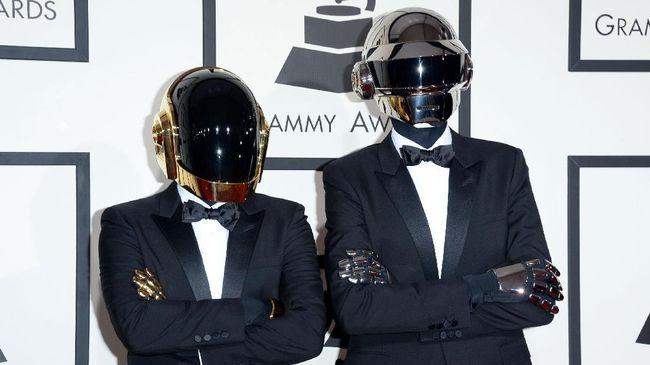 Duo pop-elektronik/dance legendaris asal Prancis, Daft Punk, mengumumkan bubar pada Senin (22/2), setelah bermusik bersama sejak 1993.