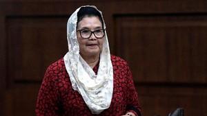 Eks Menkes Siti Fadilah Supari Bebas dari Penjara Hari Ini