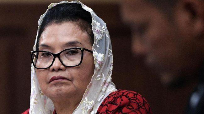 Siti Fadilah Supari yang pernah mendekam di penjara selama empat tahun karena kasus korupsi pengadaan alkes, kini telah bebas murni.
