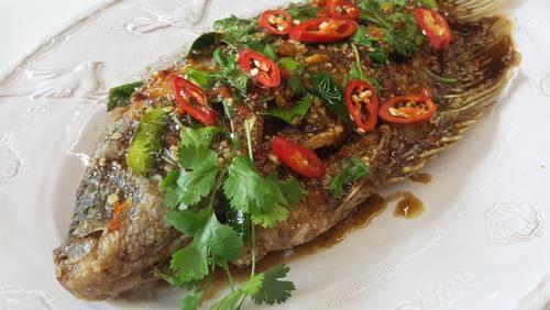 Menu Hari Ke-4: Gurihnya Sajian Ikan Berbumbu Telur Asin dan Chilli Sauce