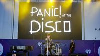 bede6303 11df 4a5d b0e3 36300aaa7ae1 169 - Panic! At The Disco Pecat Gitarisnya