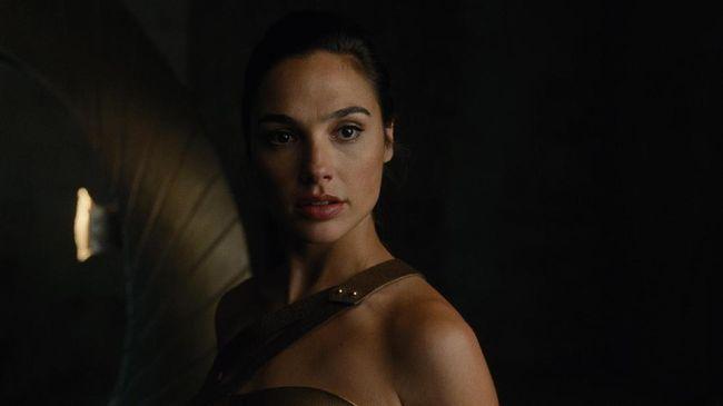 Aktris asal Israel, Gal Gadot, mengaku menangis ketika pertama kali menonton film yang ia bintangi, Wonder Woman 1984.