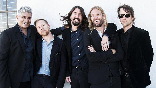 Foo Fighters mengakui bingkisan gambar aneh dari fan yang kerap mereka terima membuat suasana bermusik makin menyenangkan.