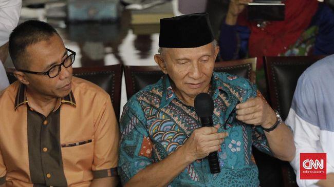 Pendiri PAN Amien Rais mengakui dirinya mendapatkan aliran dana pada 2007 silam terkait dengan kegiatannya melalui mantan Ketua Umum PAN Sutrisno Bachir.