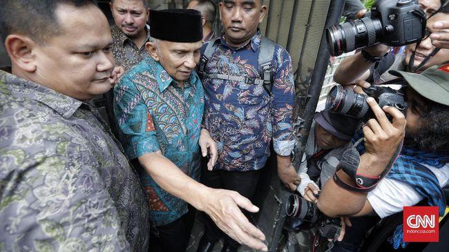 Amien Rais tak akan datang jika hanya diminta menemui bagian pengaduan. Keengganan pimpinan KPK menemui Amien dinilai merendahkan mantan Ketua MPR itu.