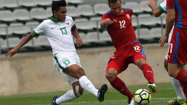 Bejo Sugiantoro punya cerita menarik memberikan nama putra sulungnya, penggawa Timnas Indonesia U-19, Rachmat Irianto.