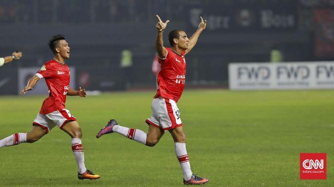 PS TNI harus menelan kekalahan dari Persija dengan skor akhir 0-2 dalam pertandingan lanjutan Kompetisi Liga 1 di Stadion Pakansari, Bogor.