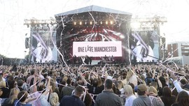 Melawan Takut Teror di Konser 'One Love Manchester'