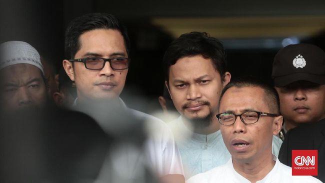 Loyalis Amien Rais, Agung Mozin menyatakan saat ini kondisi Ahmad Hanafi Rais hanya mengalami luka pada bagian alis usai kecelakaan di Tol Cipali.