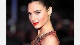 Bintang Wonder Woman Gal Gadot Umumkan Hamil Lagi